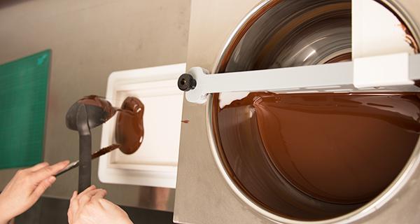 Herstellung des Schoko-Bildes in der Schoko-Küche von LOOXIS